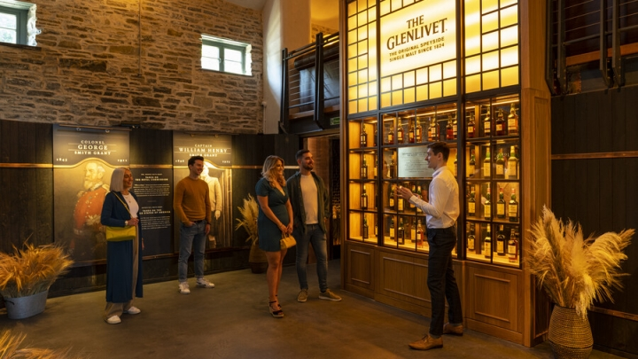 the_glenlivet_archive_wall_experience